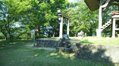主郭の神社
