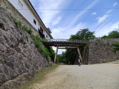 堀切と廊下橋