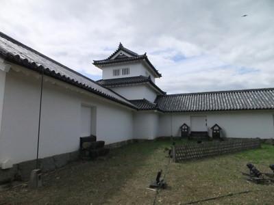 西の丸三重櫓と脇多聞櫓