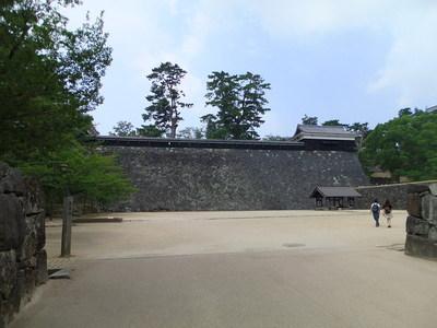 馬溜・二の丸上の段石垣・太鼓櫓