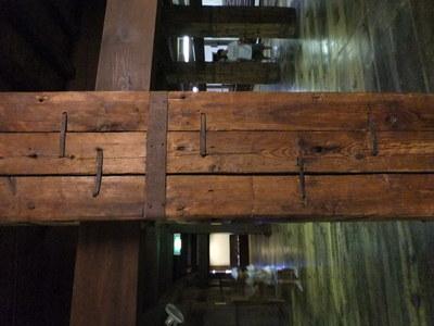 天守の寄木柱
