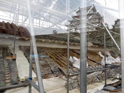 リの一渡櫓の修理工事の様子