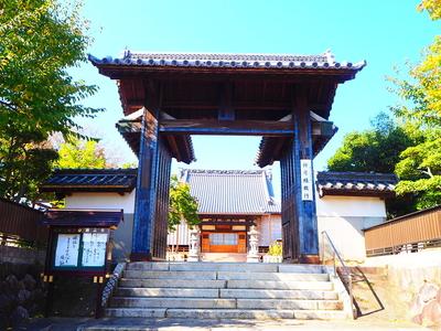 顕正寺山門