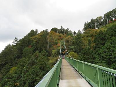 大松山つり橋(雲海展望台側から大松山城方面)