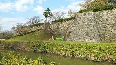 埋門跡(南側)の石垣(2017秋)