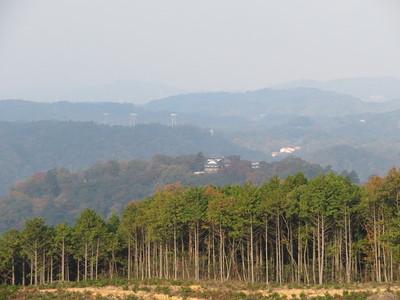 高陣の案内板付近から備中松山城