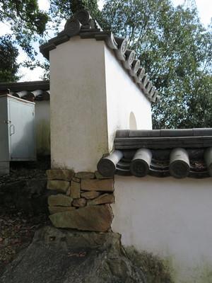 厩曲輪の土塀