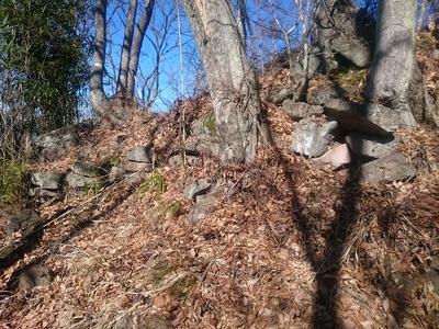 天白城本郭南側の補強石積