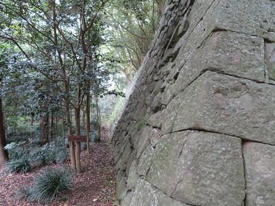 長門丸石垣(石垣の小径)
