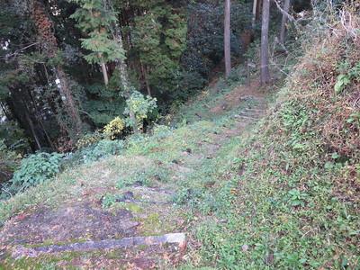 堀切先の階段