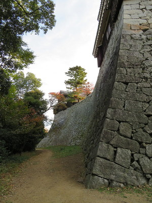乾櫓から野原櫓の石垣