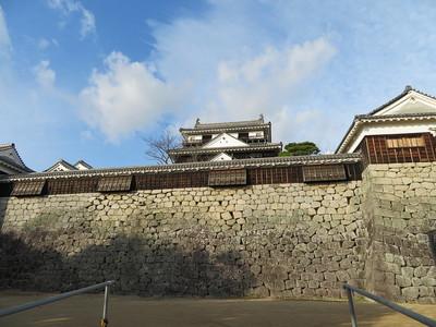仮設搬入路から天神櫓南塀(本壇東側)
