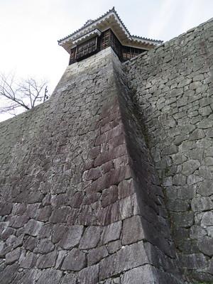 隠門続櫓下の石垣