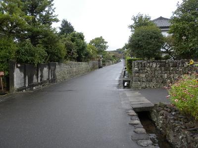 周囲の石垣