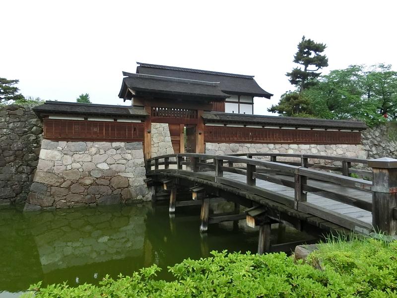 太鼓門と橋