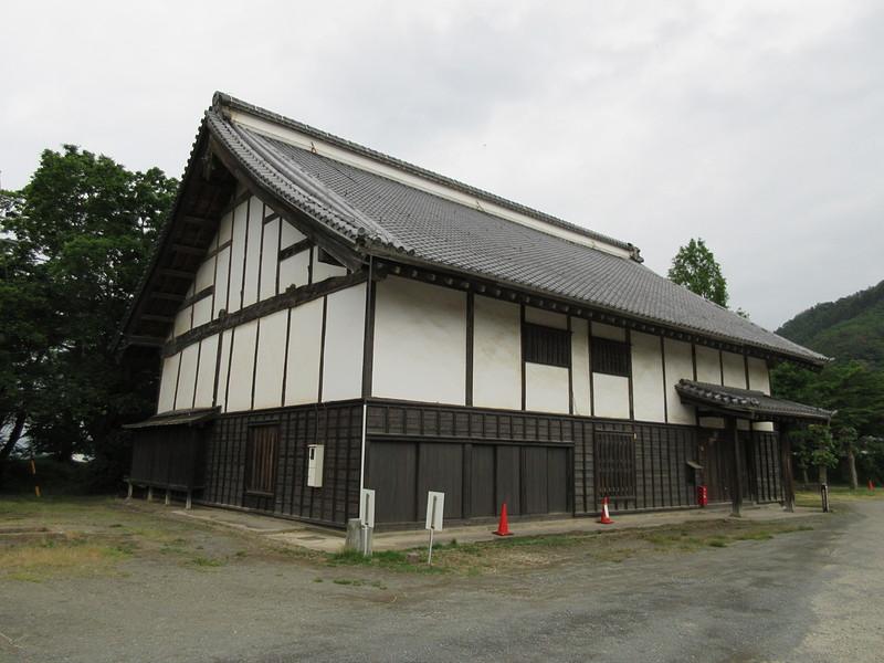 御台所櫓(左側)