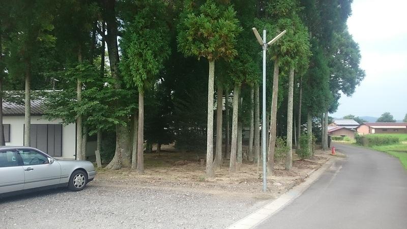 勝手神社の裏にある駐車場