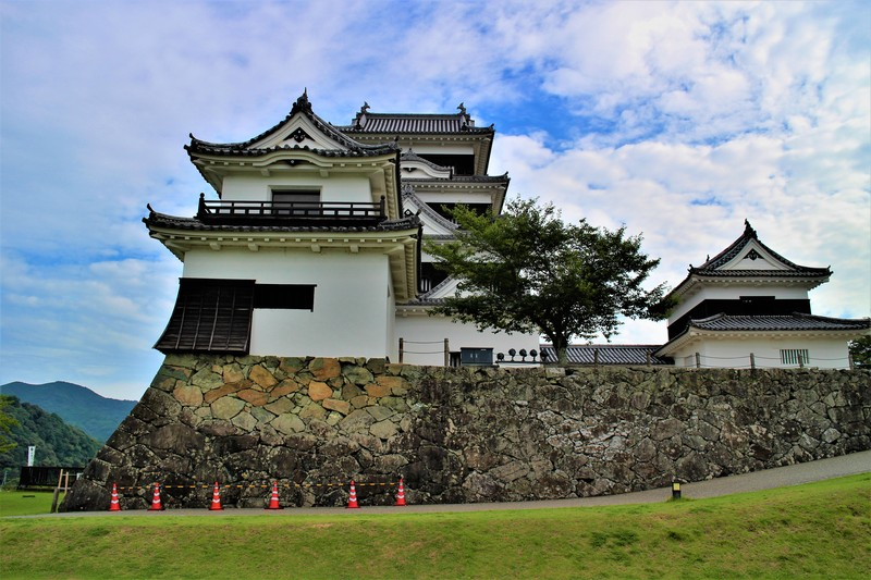 高欄櫓・天守・台所櫓(南側)