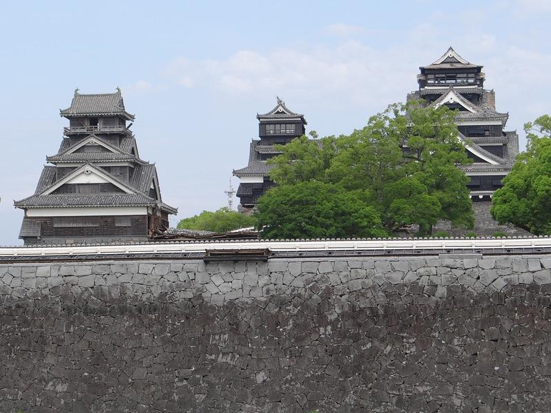 二の丸広場から見た天守と宇土櫓[熊本城]