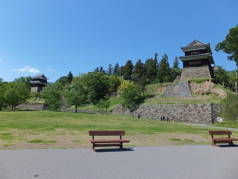西櫓・南櫓(尼ヶ淵から)[上田城]