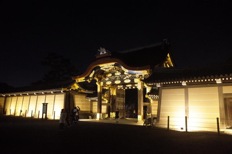 夜の唐門[二条城]