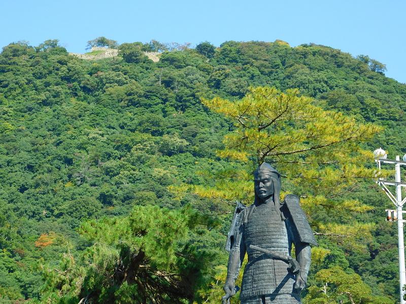 鳥取城山の上丸の石垣[鳥取城]