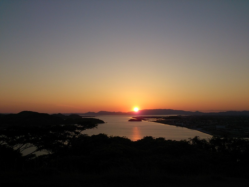 天守台からの夕日