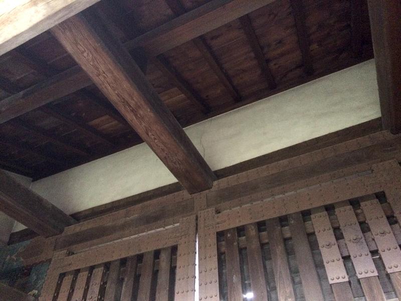 西門の屋根(内側)[二条城]