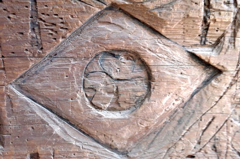 西門の柱の落書き[二条城]