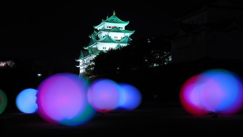 浮遊する、呼応する球体 名古屋城