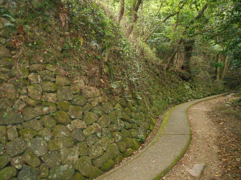 登り石垣(西側)