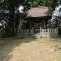 本丸標柱と社殿