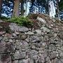 幟と積み直された石垣?