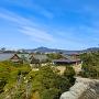 天守台か見た本丸御殿、東山の風景