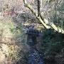 寺域内を流れる小川