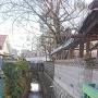 真徳寺前の用水路