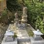 米本城主・村上綱清の墓石