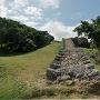 琉球石灰岩の石垣