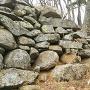 主郭下の帯郭の石積み