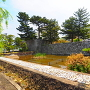 堀と櫓台石垣