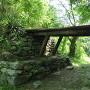 東門跡に橋が掛けられてます