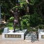 家康と秀吉の銅像