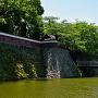 天守と冠木橋