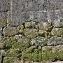 復元石積と遺構石積