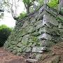 帳櫓(とばりやぐら)跡石垣を、南西から