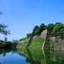 内堀と本丸東側の石垣