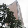 群馬県庁ビルと本丸土塁