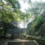 西二の丸登城路から見た本丸石垣
