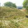 長松院にある土塁と空堀