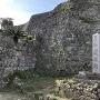 石垣と石碑